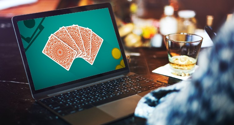 Live Blackjack Online: To Help You Crack Free From the Monotony of Working for Extended Continuous Hours